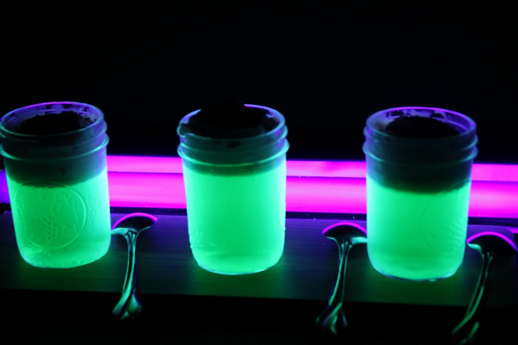 Glow-In-The-Dark Jello Shots - Jellinator.com