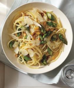 Springtime asparagus linquine